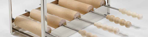 chimney-cake-small-roll-stand